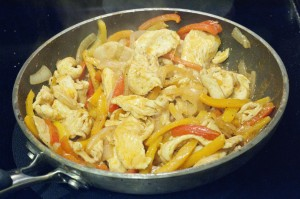 cooking, recipes, dinner recipes, fajita recipes, chicken recipes, easy chicken recipes, easy mexican recipes, easy fajita recipes, bell peppers, onions, whole wheat tortillas, tortillas