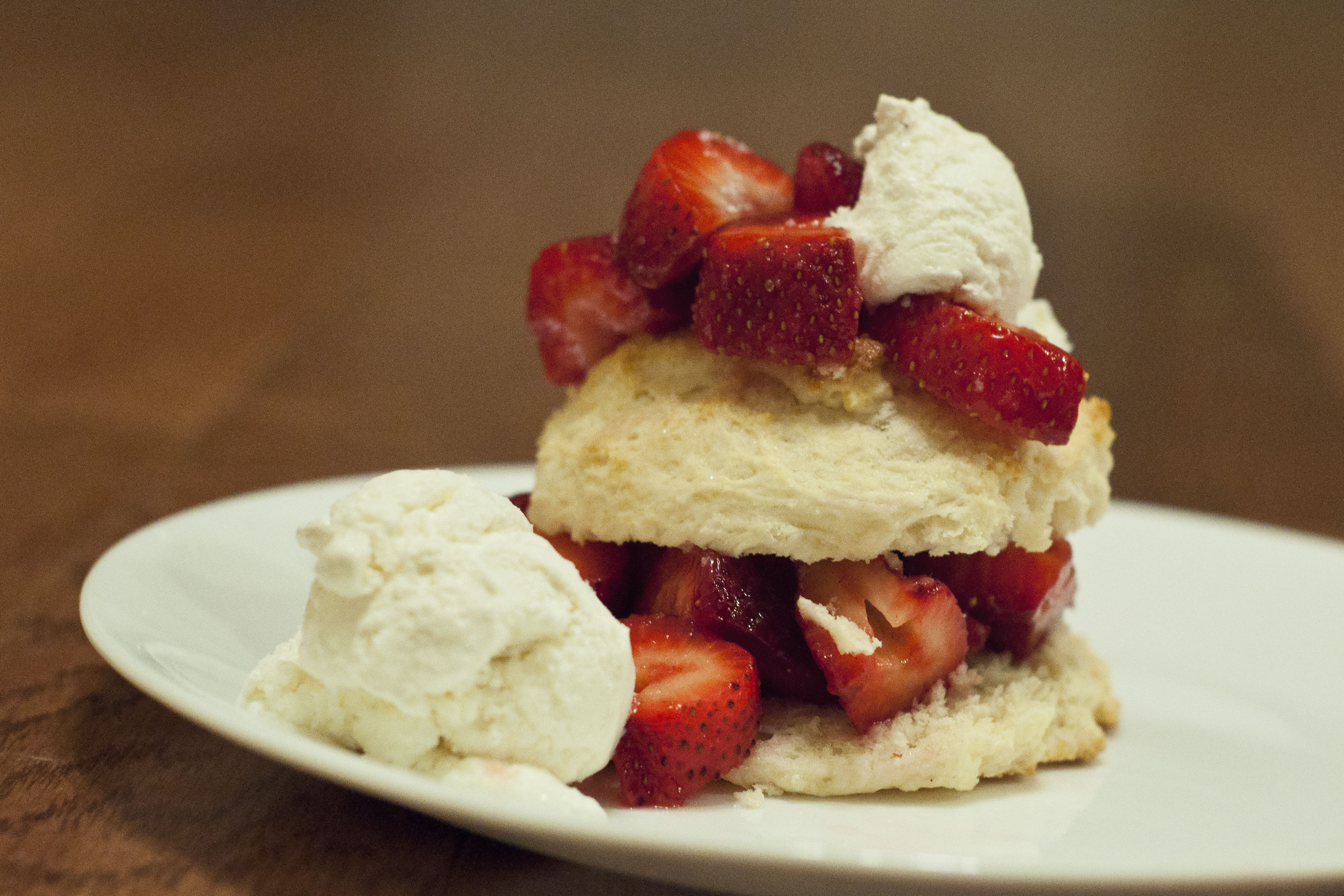 arkansas strawberries, strawberry shortcakes, easy strawberry shortcakes, bisquick recipe, truvia recipe, stevia recipe, easy dessert, recipe, cooking, food, taste arkansas