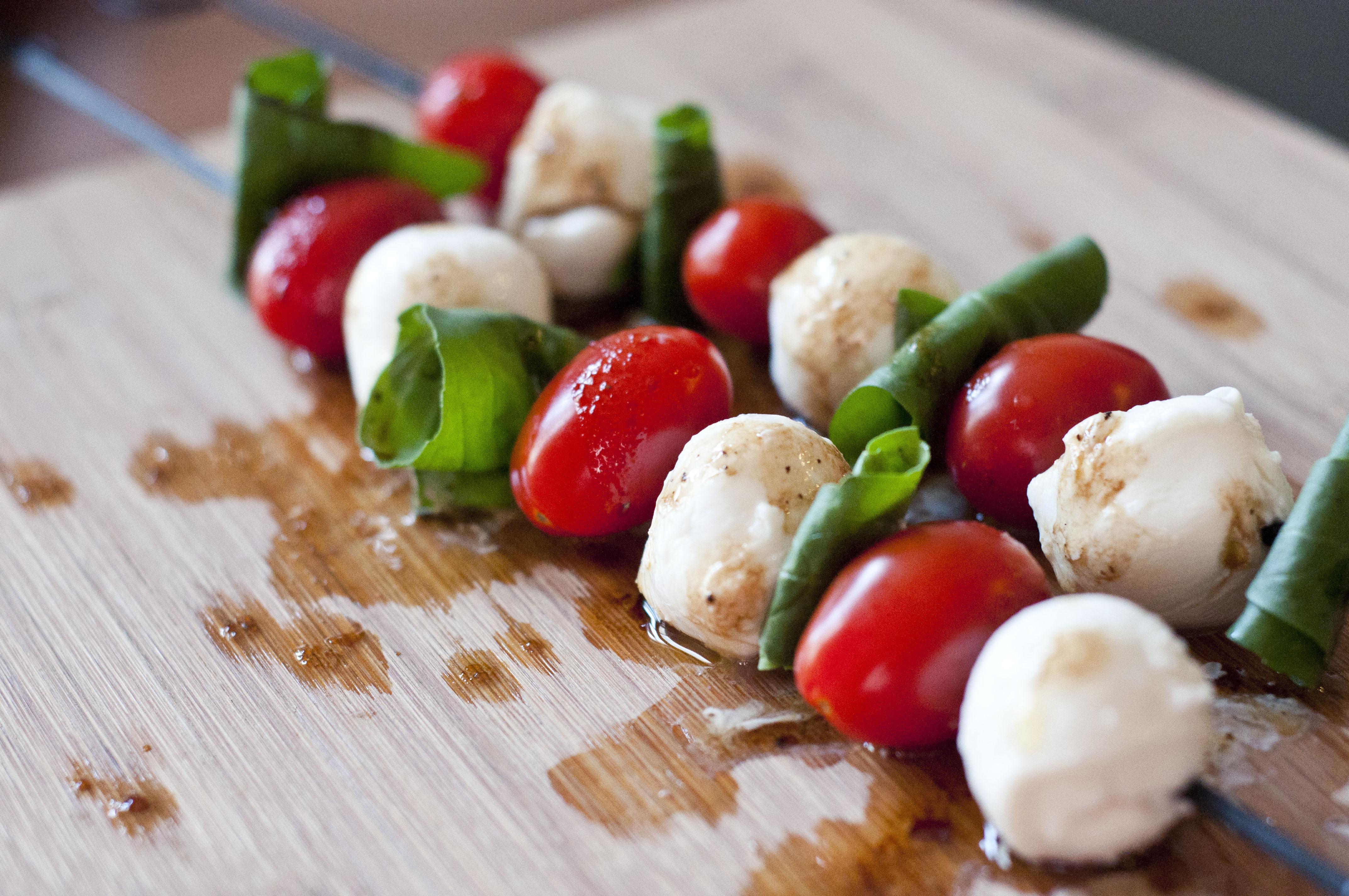 , mozzarella recipe, caprese salad skewer recipe, caprese skewers ...
