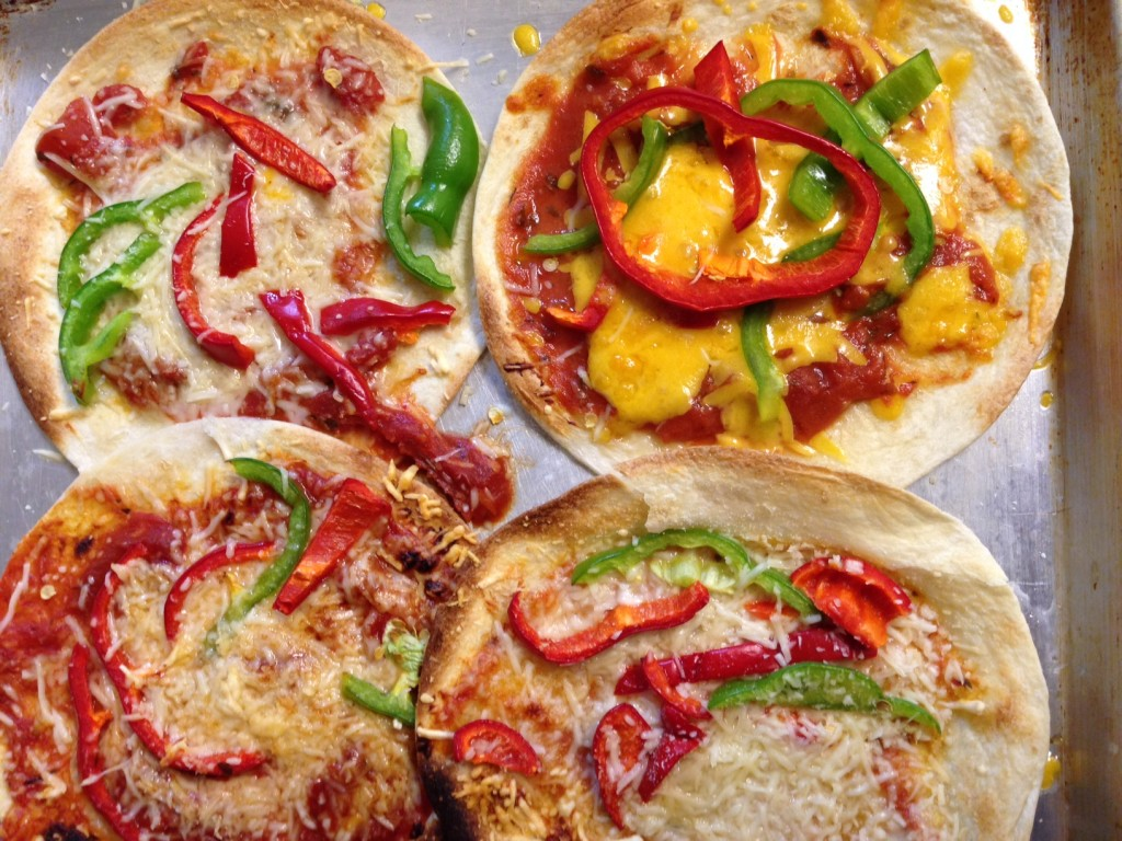 Kids lunches torilla pizzas