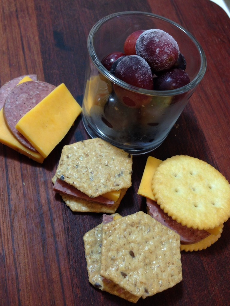 Kids lunches cheese, crackers, grapes