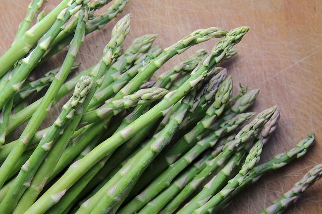 Asparagus omelet rolls - asparagus