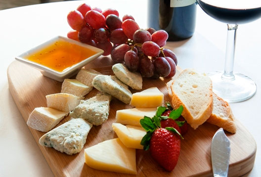 cheese-plate-with-fruit & An Easy Cheese Plate \u2013 Taste of Arkansas