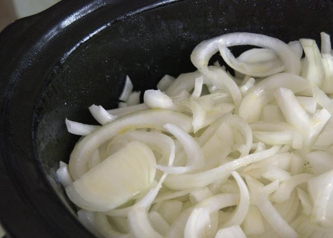 slow cooker big batch caramelized onions