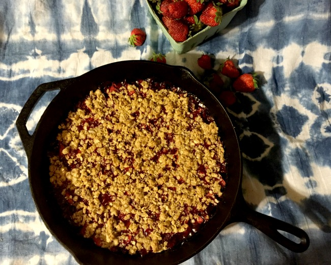 arkansas strawberry skillet crisp top