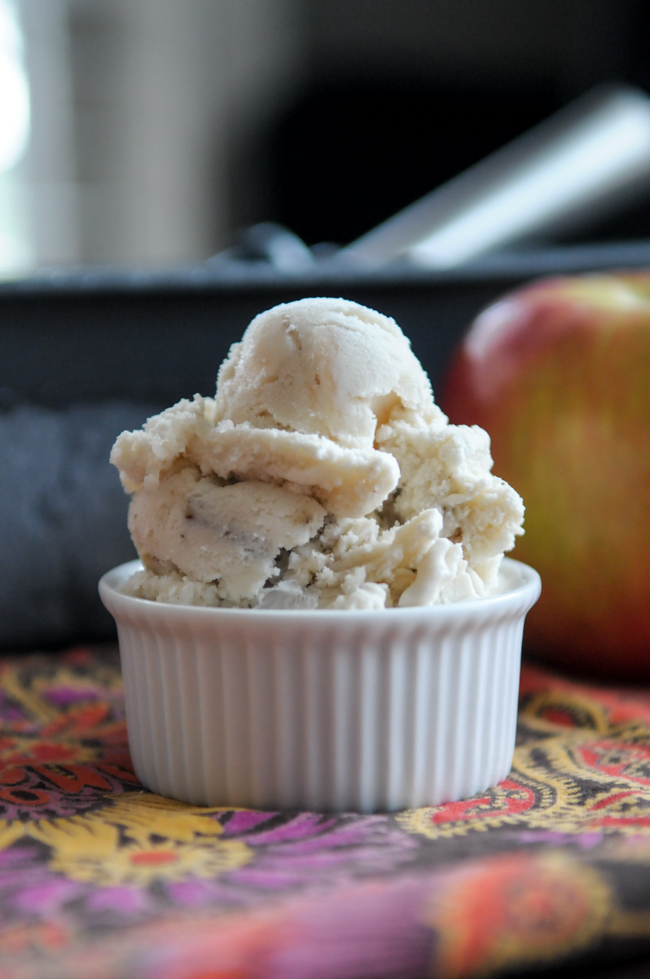 caramel-apple-pecan-ice-cream-2