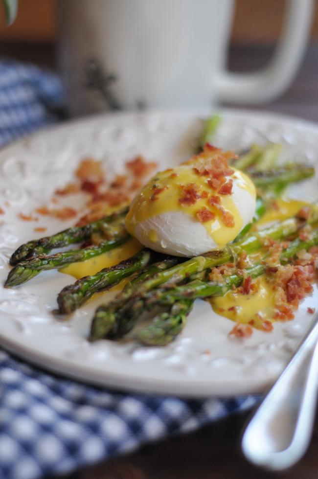 asparagus-eggs-benedict-2